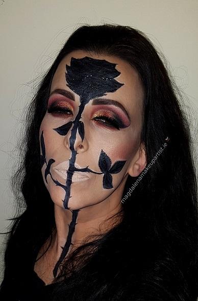 black rose trendy eyes makeup